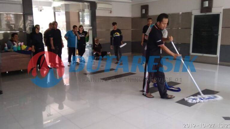 Pelatihan Cleaning Service Instansi - Dutaresik