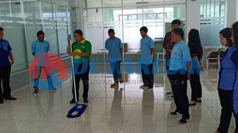 Training Cleaning Service Perusahaan - Dutaresik