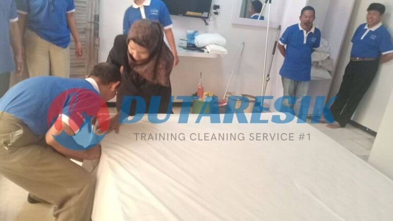 Training Housekeeping Staff - Dutaresik